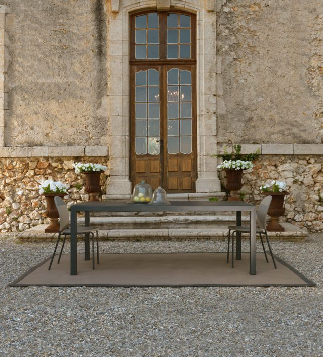 outdoor-furniture-024