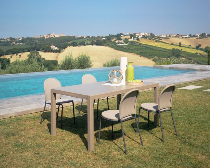 outdoor-furniture-025
